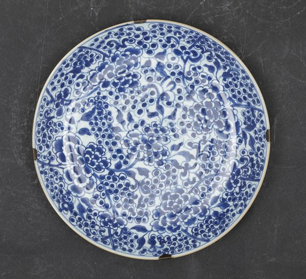 A porcelain plate, China, Qing Dynasty