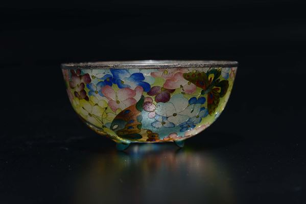 A glass paste bowl with flowers and butterflies, Japan, late 19th century
