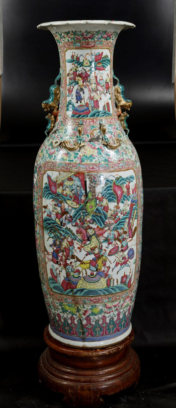 A large vase, China, Canton, Qing Dynasty, 1800s