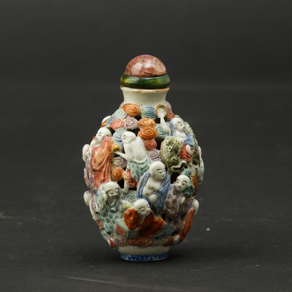 A porcelain snuff bottle, China, Qing Dynasty