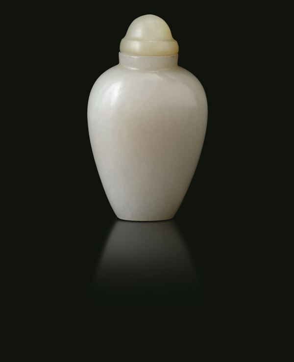 A white jade snuff bottle, China, Qing Dynasty